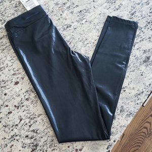 NEW HUE Black Faux Glossy Leather Legging in sz XS